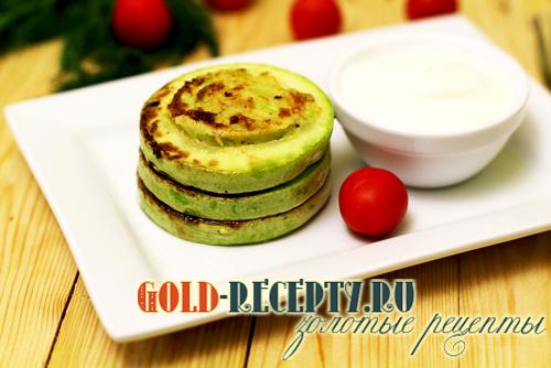 Пышные оладьи из кабачков с базиликом, пошаговый рецепт с фото