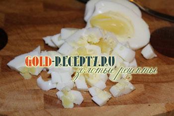 Мега полезный салат с креветками, авокадо и клубникой, пошаговый рецепт с фото