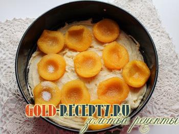 Творожный пирог с консервированными персиками, пошаговый рецепт с фото