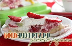 Торт без выпечки с зефиром и фруктами