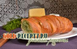 Батон в запеченный духовке с сыром и зеленью