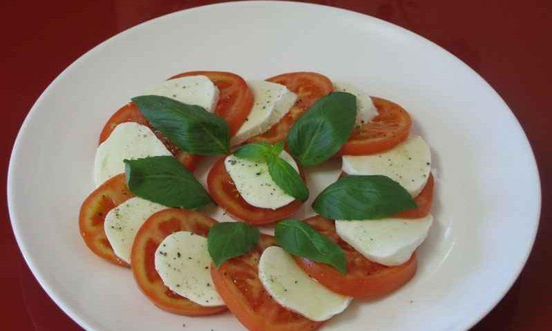 Салат «Капрезе» — фото рецепт