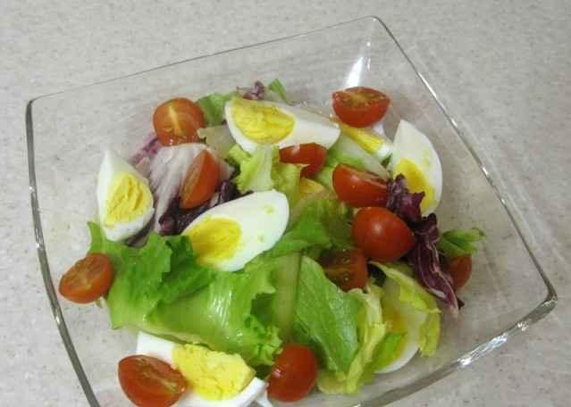 salat s kyrinoy pechenju6