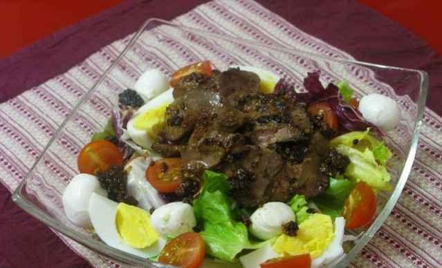 salat s kyrinoy pechenju