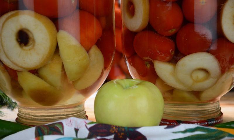 Помидоры с зелеными яблоками заготовки на зиму